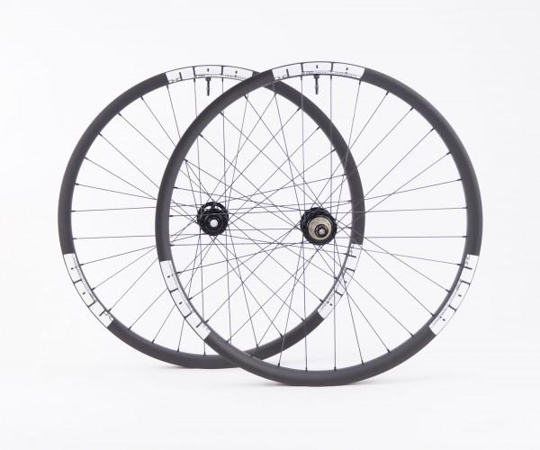 NOA DHC 30 Downhill Carbon Laufradsatz mit 120 klicks Naben