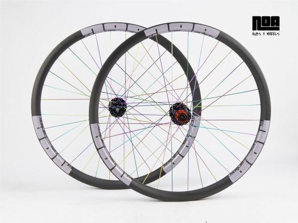 NOA EC 29 Carbon Laufradsatz mit Light Ride Naben