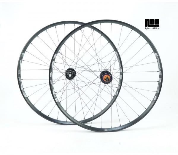 e13 TRS+ 33.5/30 Laufradsatz mit Light Ride Naben